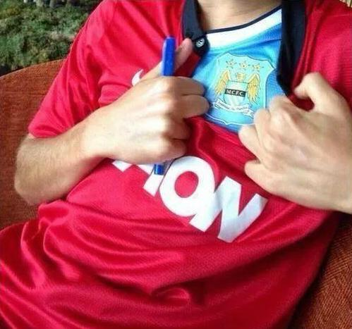 """bc4d07528 """" WankersFullKit  Manchester United fans right now!! pic.twitter.com iqOSlEH4JZ""""   NOAHF1"""