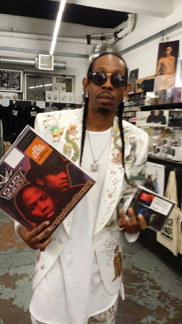 Caught Outkast 1st Album 20th Anniversary and Goodie Mob New Album Age Against the Machine Album today @BigBoi #WEDF http://t.co/nZ2XWiftsm