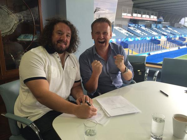 All parties delighted that @adamjones3 has signed with @cardiff_blues @PRO12rugby #gotthereintheend #lionsfrontrow http://t.co/jltftqDRpv