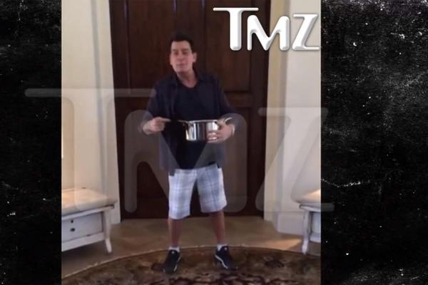 .@charliesheen is #winning the #ALS Ice Bucket Challenge. http://t.co/hWukvZI003 http://t.co/C3rdRfSeqy