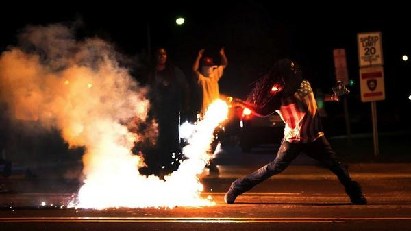 How is the St. Louis arts community responding to #Ferguson? http://t.co/YvfAcueg7P http://t.co/YrPpvSanGd