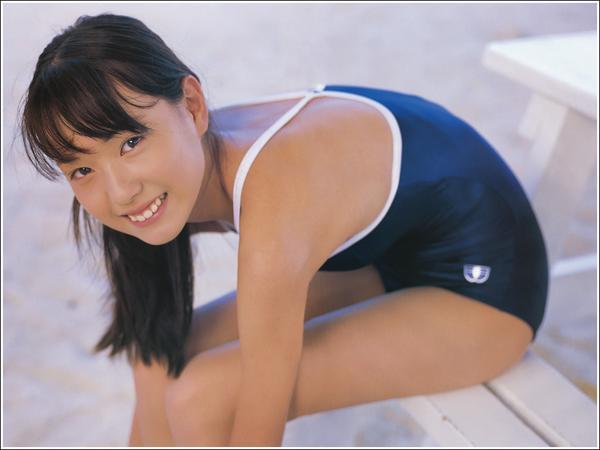 健康的水着戸田恵梨香