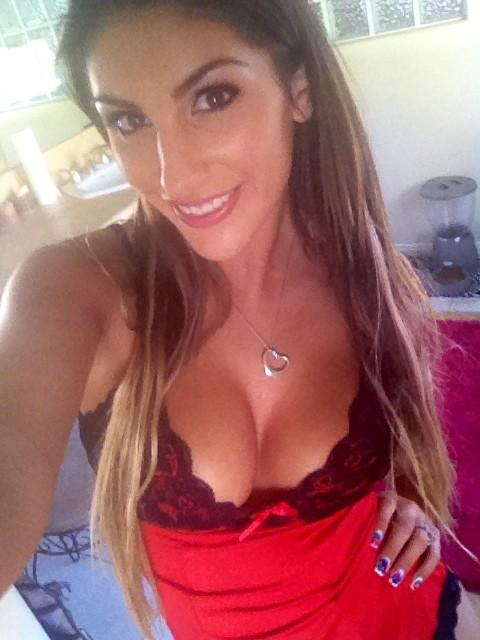 August ames surfs yourporn