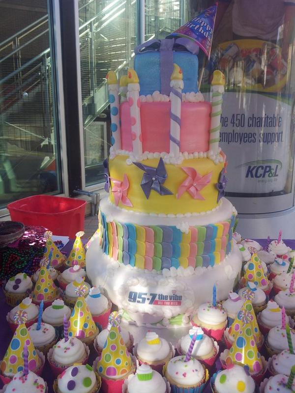 957 The Vibe On Twitter Amazing Birthday Cake From Cosentinos Price Chopper In Liberty Stop By Our Tent Before Katy Perry For Prizes