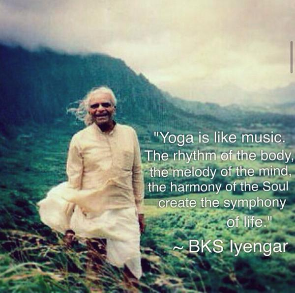 I sit in deep silence w/ tears of gratitude streaming down my face that #yoga crossed my path this lifetime. #Iyengar http://t.co/ohYnwIoctX