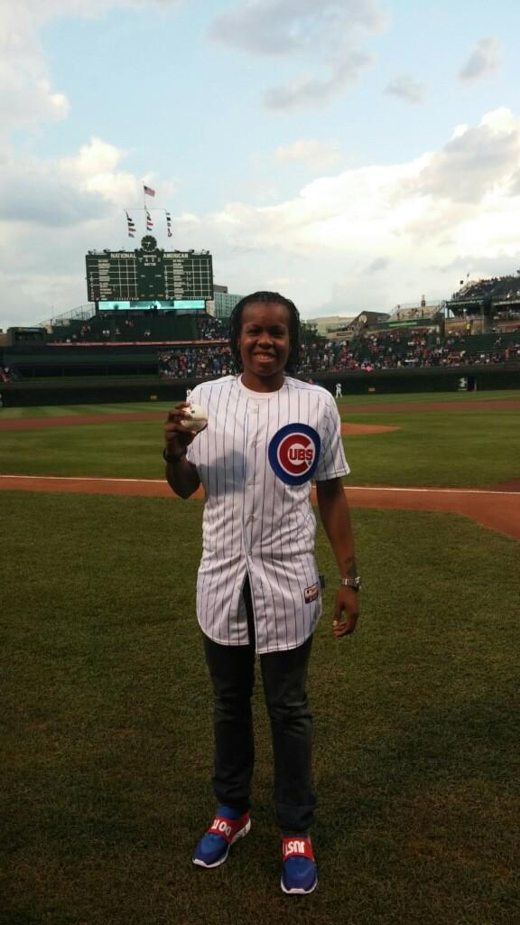 Playoff-bound @wnbachicagosky guard @Piphdagreat10 threw a ceremonial first pitch before tonight's game. http://t.co/DKEZ72e4zB