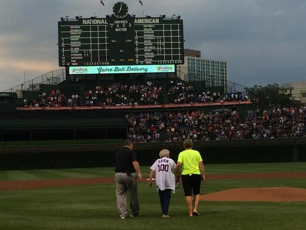 100-year-old Loretta Dolan is celebrating her 100th birthday along with #WrigleyField100. http://t.co/dKYZmqreYb