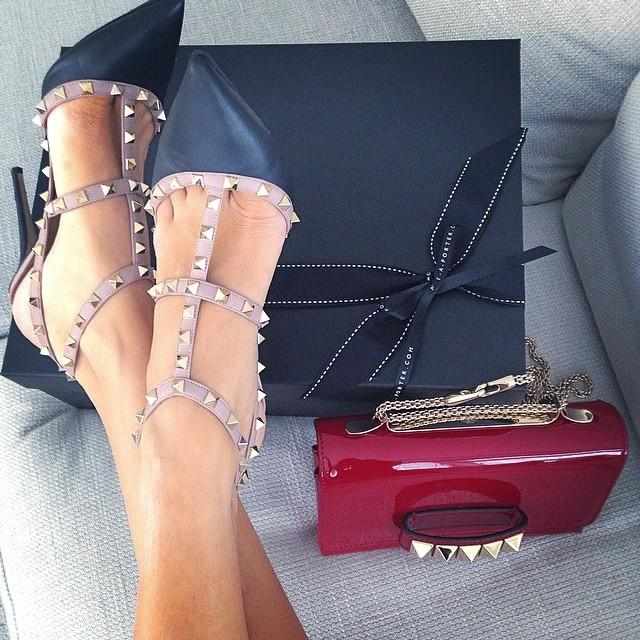Coordinating chic! @MaisonValentino on #TheNETSet. http://t.co/7UzA706dgM http://t.co/fcpjiWBXEO
