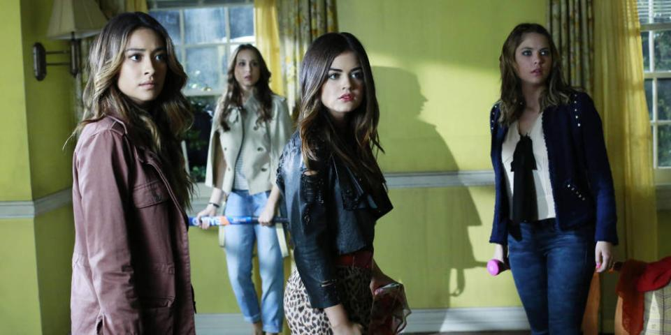 10 of the scariest scenes from @ABCFpll, as chosen by show creator I. Marlene King: http://t.co/xxuo5mpH7w http://t.co/d3loBtUln2
