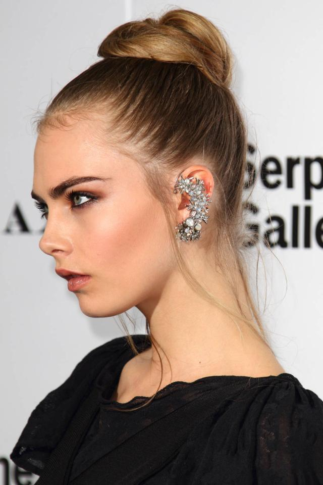 15 statement earrings to complete your look: http://t.co/hqBgkacO8Z http://t.co/BJUJCKniCf