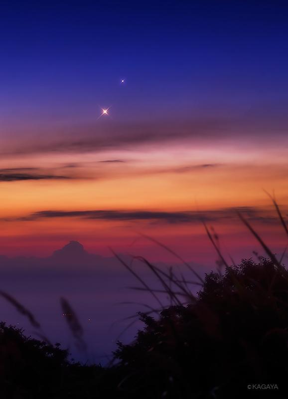 天上の宝石。今朝、夜明けに見られた金星と木星の並ぶ光景です。(那須高原にて撮影)明朝も見られます。午前4時すぎが見頃です。 pic.twitter.com/RZT1uwyeqc