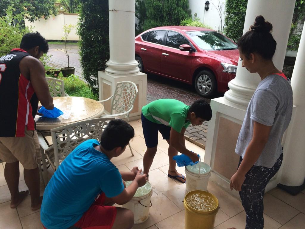 The Ice Bucket Challenge අයිස් බකට් අභියෝගය
