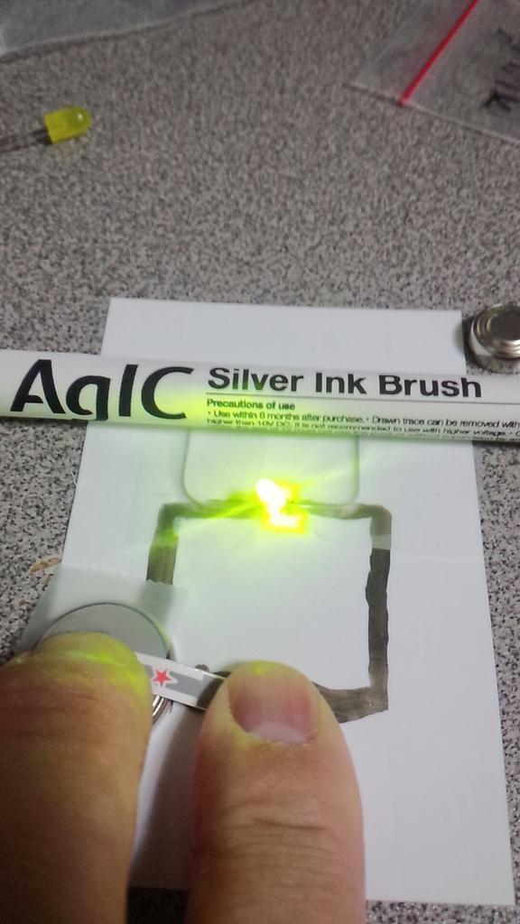 AgICペンで回路書いてみた。凄いこれ。!(^^)! http://t.co/jMmh3CScnX