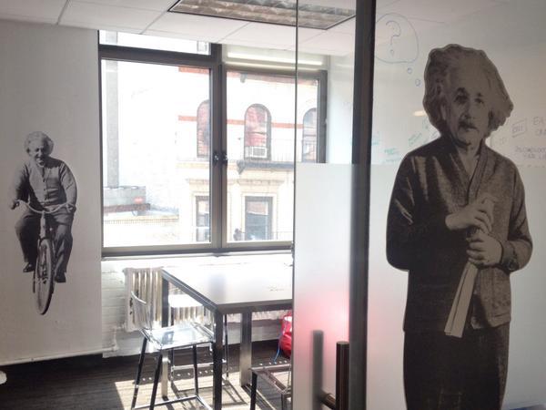 .@EinsteinBOT keeps us innovative in one of our workspaces #einstein #rauxany http://t.co/F3vZZwo41h