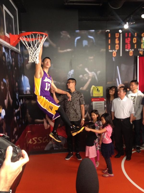 Jeremy Lin... Meet Jeremy Lin. The unveiling of his wax figure at #MadameTussauds in #SanFrancisco @Lakers http://t.co/K2eMgEUIjo