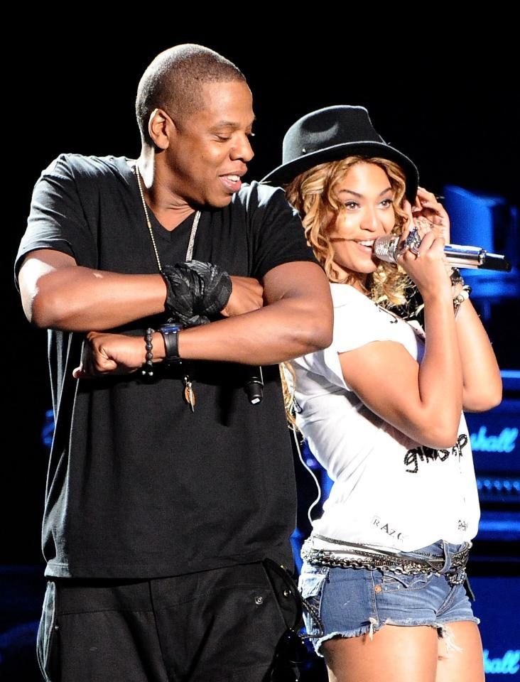 This celeb BFF is playing a MAJOR role in Beyonce & Jay Z's breakup: http://t.co/DBsFXQ4r4O (via @usweekly) http://t.co/cKkMoxMJdm