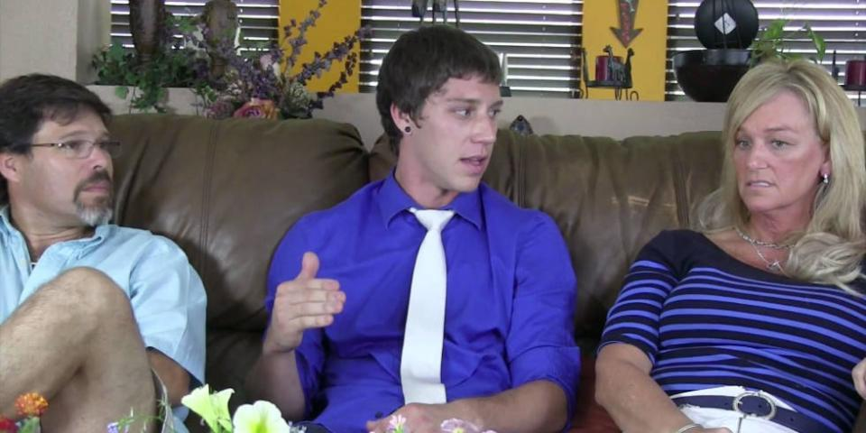 Here's what happens when a porn star tells his parents he does porn: http://t.co/u5qwzcCul5 http://t.co/YQAe5T9A3q