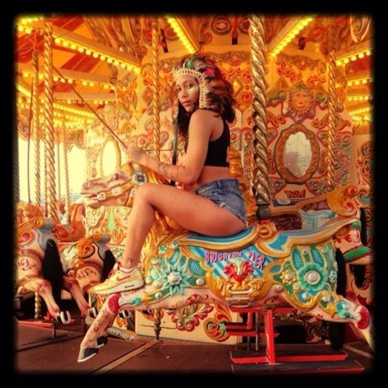 Bank holiday plans? We're excited to see Zizi Scandal at #NottingHillCarnival! http://t.co/vYnyrvX131 http://t.co/kBUMGQV4N3