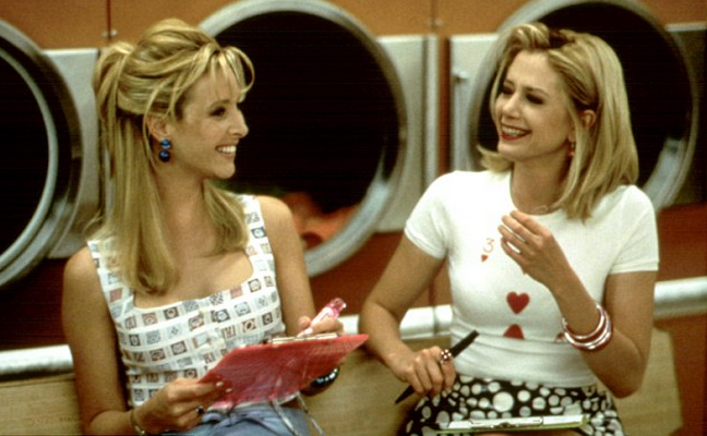 Forget love stories it's fun girls and their BFFs that make for the best movies: http://t.co/hlGHGlFQ8C #iDgirl http://t.co/ufUZtmpSyH