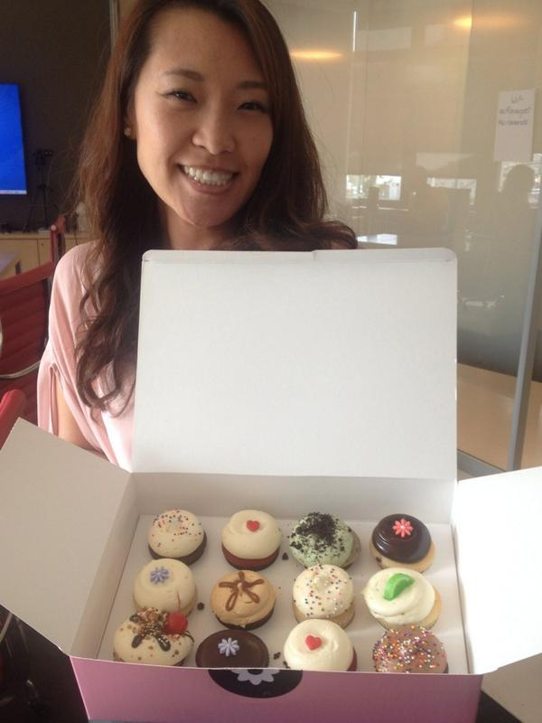 .@GTownCupcake for our new VP, Account Services - and birthday girl - Annie June! #georgetowncupcake #nyc #rauxany http://t.co/JMb9JJbH9l