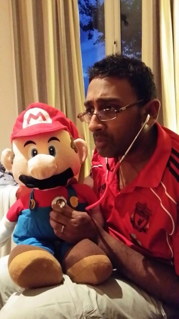 Mario has his medical http://t.co/BLHufRwE04