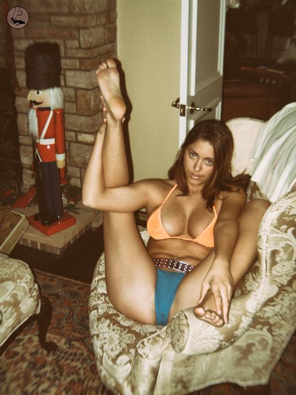 Big women camel toe