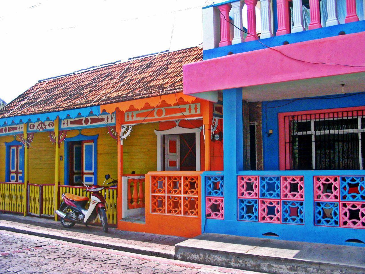 Isla Mujeres es la prueba de que existe color cerca del mar Caribe.