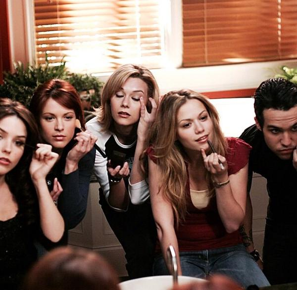 #OTH #OneTreeHill #OTHscene #OTHfamily I love this picture and you ?? pic.twitter.com/vtf3yNTIo0