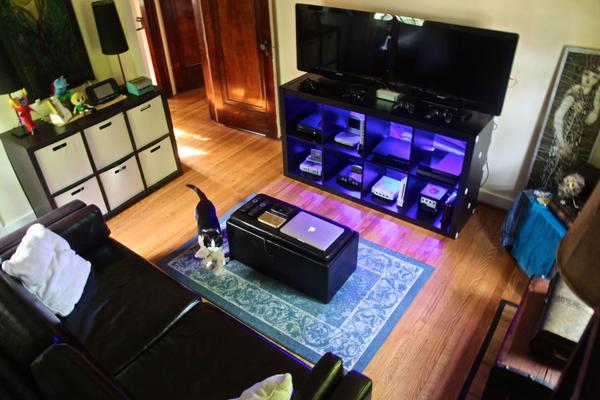 """Great #GamingSetup from @TheWildBunny! She said they call it """"The War Room"""" =D - http://t.co/gWePhfWSfI http://t.co/DMLhY78Hyp"""