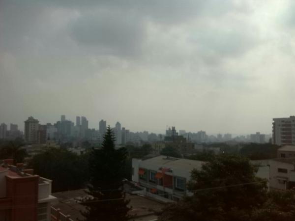 Barranquilla despertó invadida de humo desde el Magdalena