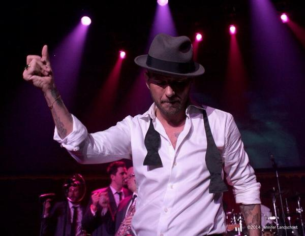 Who's coming tonight?..  LIVE from #thegossyroom Come & join @mattgoss for a great night in #Vegas @CaesarsPalace http://t.co/45rcLwaigk