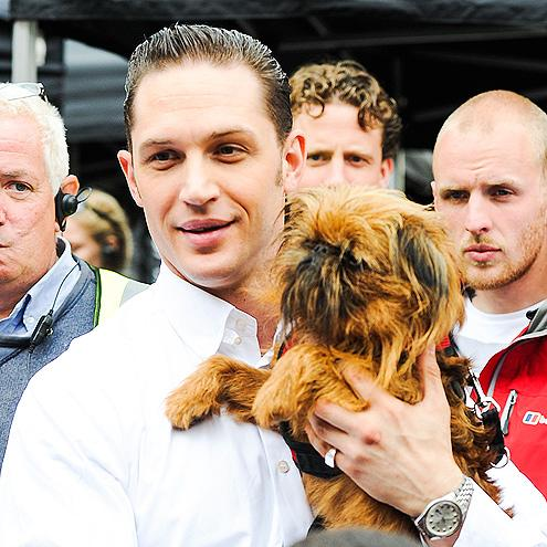 """RT @camty01: """"@peoplemag: Because Tom Hardy and puppies http://t.co/G0tOFo84rE http://t.co/OH5Z9DtcCY"""" @JENNIWOWW happy Friday!!!!! 😍😍👅💦"""