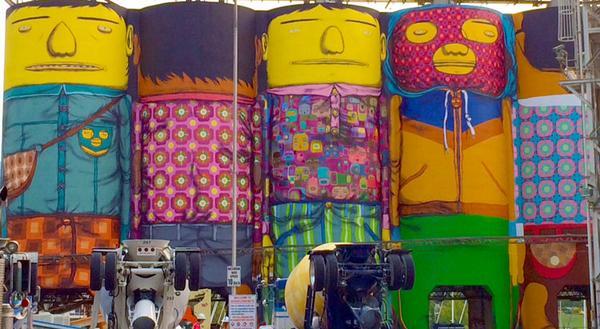 The Giants are getting their faces!  #OSGEMEOS @Van_Biennale http://t.co/bJrQU2Fbf4