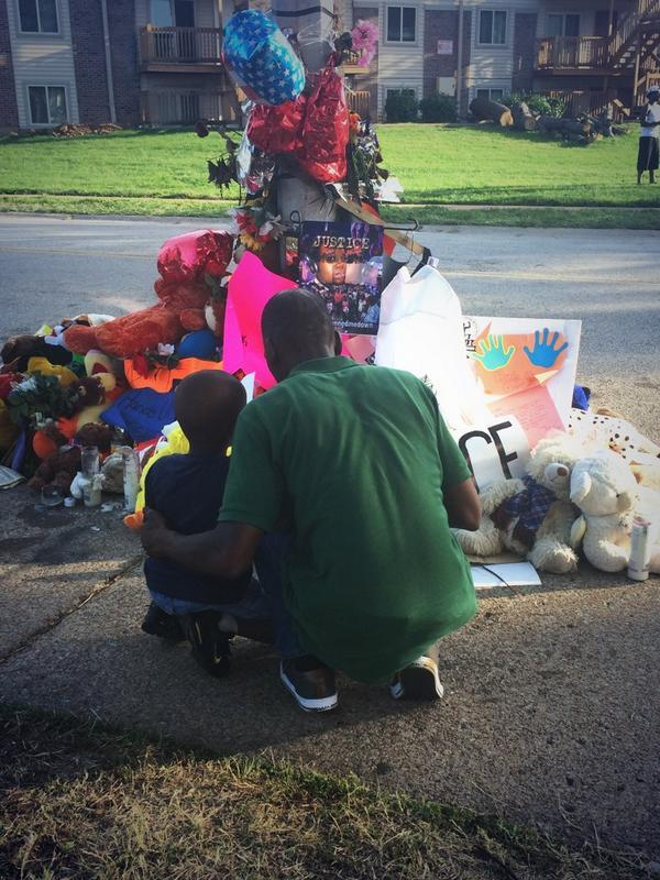 RT @sonsandbros: POWERFUL: A father talks to his son about #MikeBrown. These are our #SonsAndBrothers #Ferguson (via @AshleyCodianni) http:…