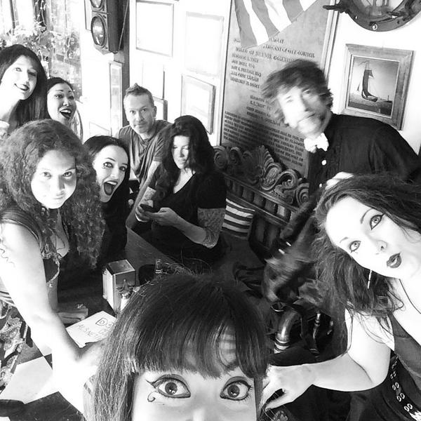 All the Deaths and a wild @neilhimself .... Squeak! http://t.co/aAhlc4unw7