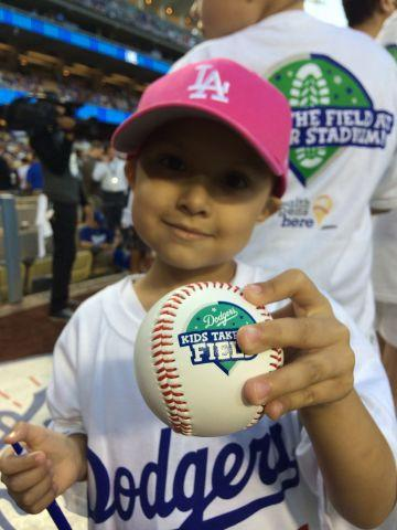 "@grahampmartin RT ""ChildrensLA: Laylah is about to take the dodgers field! How adorable is she?! #ThinkCure http://t.co/na4C7dCUdu"" #GoFETCH"