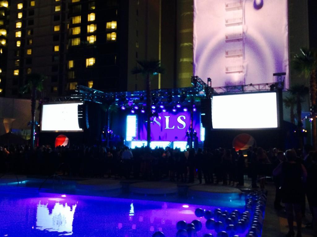 Vegas, I'm coming for you @SLSLasVegas @pepsi #belegendary #livefornow http://t.co/qaehNC9OqY