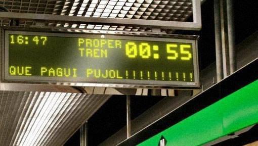 "Otro hackeo genial RT ""@galapita: Genial el hacking als cartells de TMB. #QuePaguiPujol  #PujolEnsRoba http://t.co/RuBdTTxDMv"""