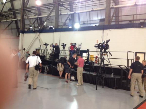 Media stand. http://t.co/I8dlfM8f15