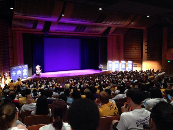Good morning from #LSU Community Bound. The Union Theater is packed with 900 students ready to serve #LSU18 #LSUCB http://t.co/AXvf0SNSm4