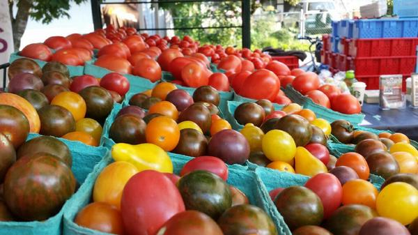 Check out all the tomatoes at the Festival. So many colours! @vanmarkets http://t.co/GkHZbaNNiW
