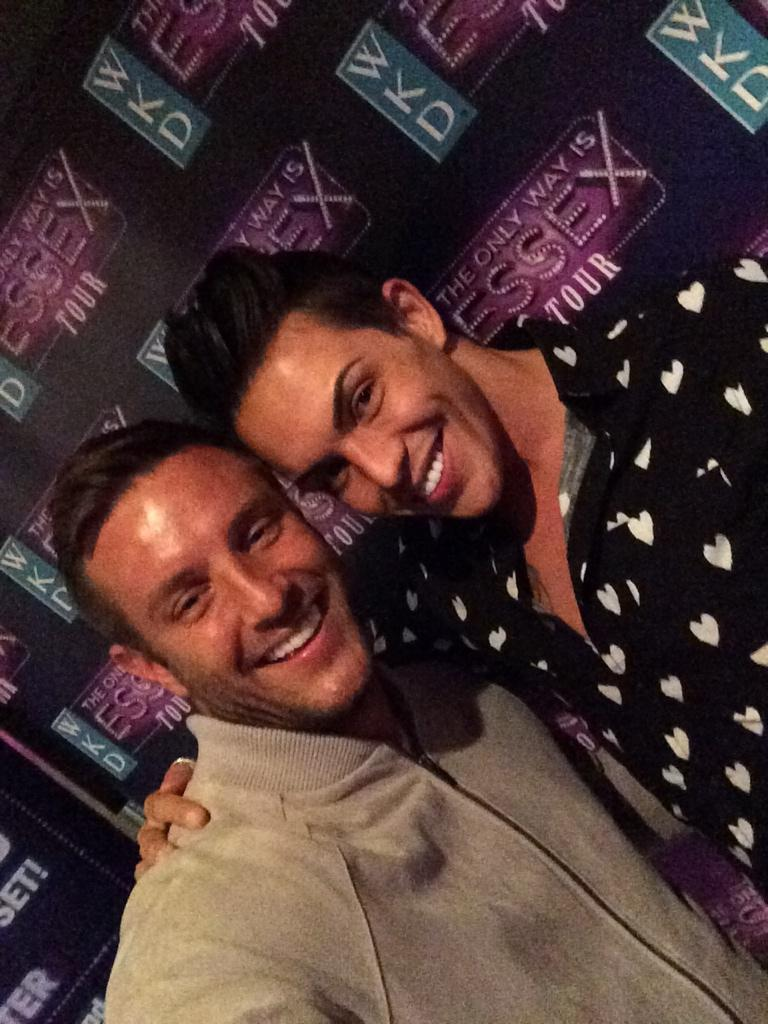 In Bournemouth with @BobbyCNorris for @WKDOfficial #LooksLively who's coming!!! 😘 http://t.co/7u0WvKfy4l