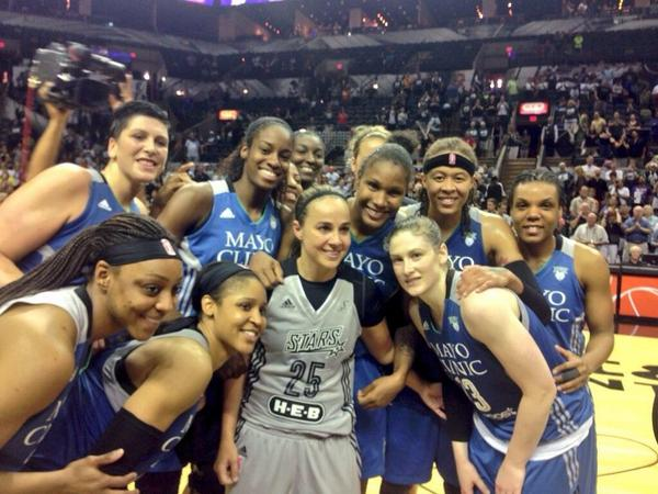 Lucky to have played with and against one if the best! The journey this far has been awesome, thanks B! #losLYNX http://t.co/SmZc4CLX13