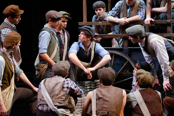 Now is the time to SEIZE THE DAY! Sending love to @Newsies on their closing night...we love you to Santa Fe and back! http://t.co/L9dgKCZ2Hy