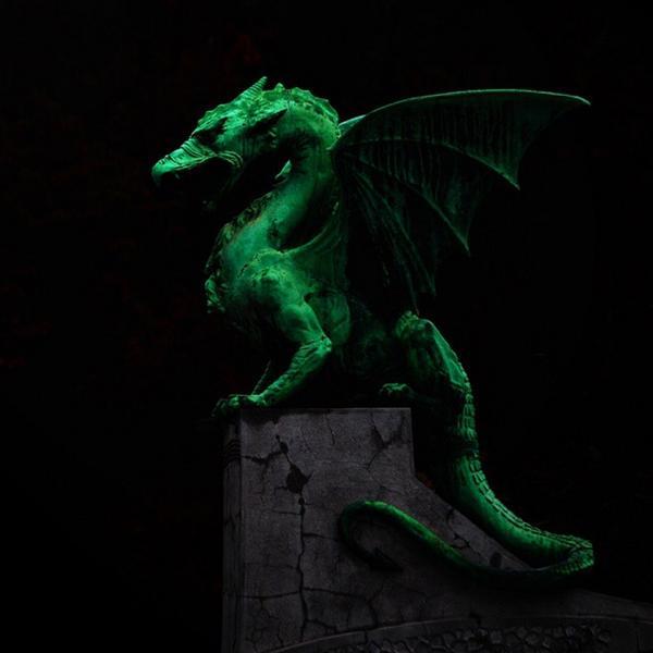 Crazy beautiful Ljubljana dragon (from Dragon Bridge) by @madpixel ❤️ #igslovenia #ljubljana #slovenia http://t.co/ps3TNqczr6
