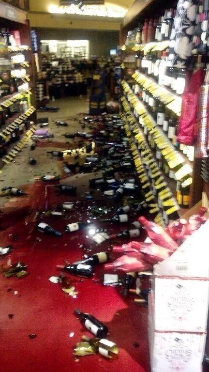 Safeway in American Canyon, results from earthquake. 😬 http://t.co/9G9qbv5tCE