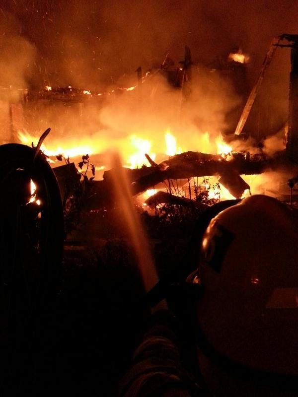 Napa Valley Mobile Home Park off Orchard. At least 2 homes burning. #napa #quake. http://t.co/18rDT4rvPC