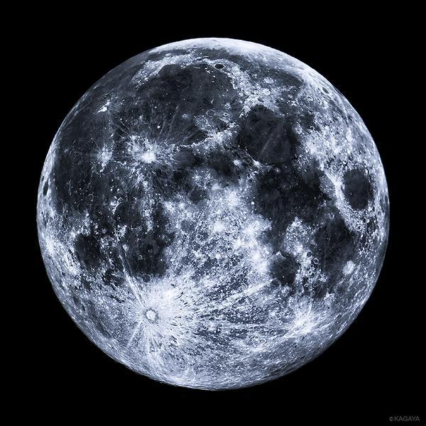 今夜は中秋の名月です。各地の月の出の時刻:東京17:15 大阪17:32 名古屋17:26 福岡17:52 札幌17:14 仙台17:12 那覇17:59写真は昨年撮影した中秋の名月です。 pic.twitter.com/YYrk9NvUkc
