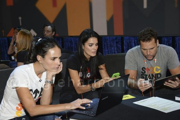 .@Angie_Harmon & @JordanaBrewster at @SU2C #StandUpToCancer http://t.co/At0hUzrF6F