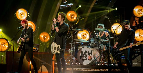 Pssst here's sneaky peek at @5SOS on our launch show tomorrow on @BBCOne 8pm. http://t.co/GBqauauTWF